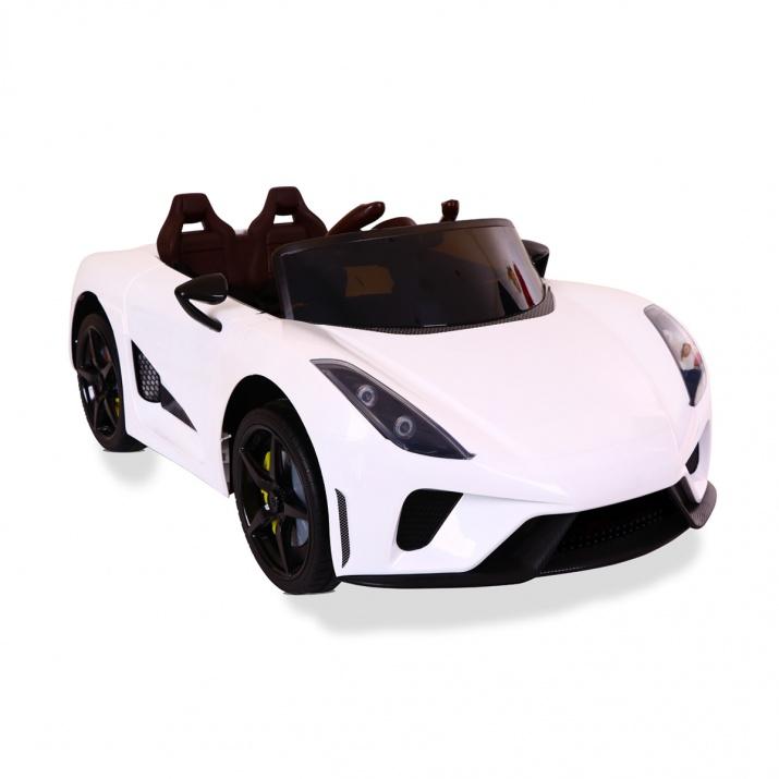 Акумулаторна кола Famous бяла